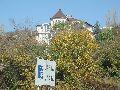 Къщата и табелата на Варна